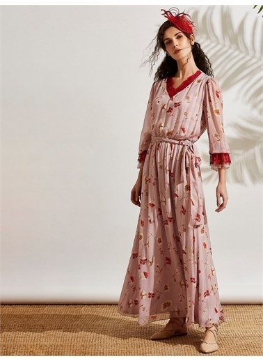 Vekem-Limited Edition V Yakalı Dantel Detaylı Şifon Elbise Pembe